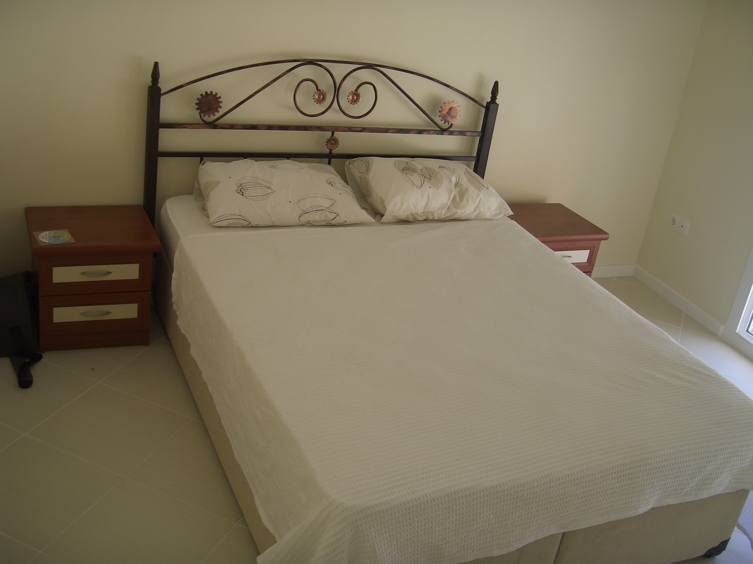 Dubbel bed slaapkamer appartement 3