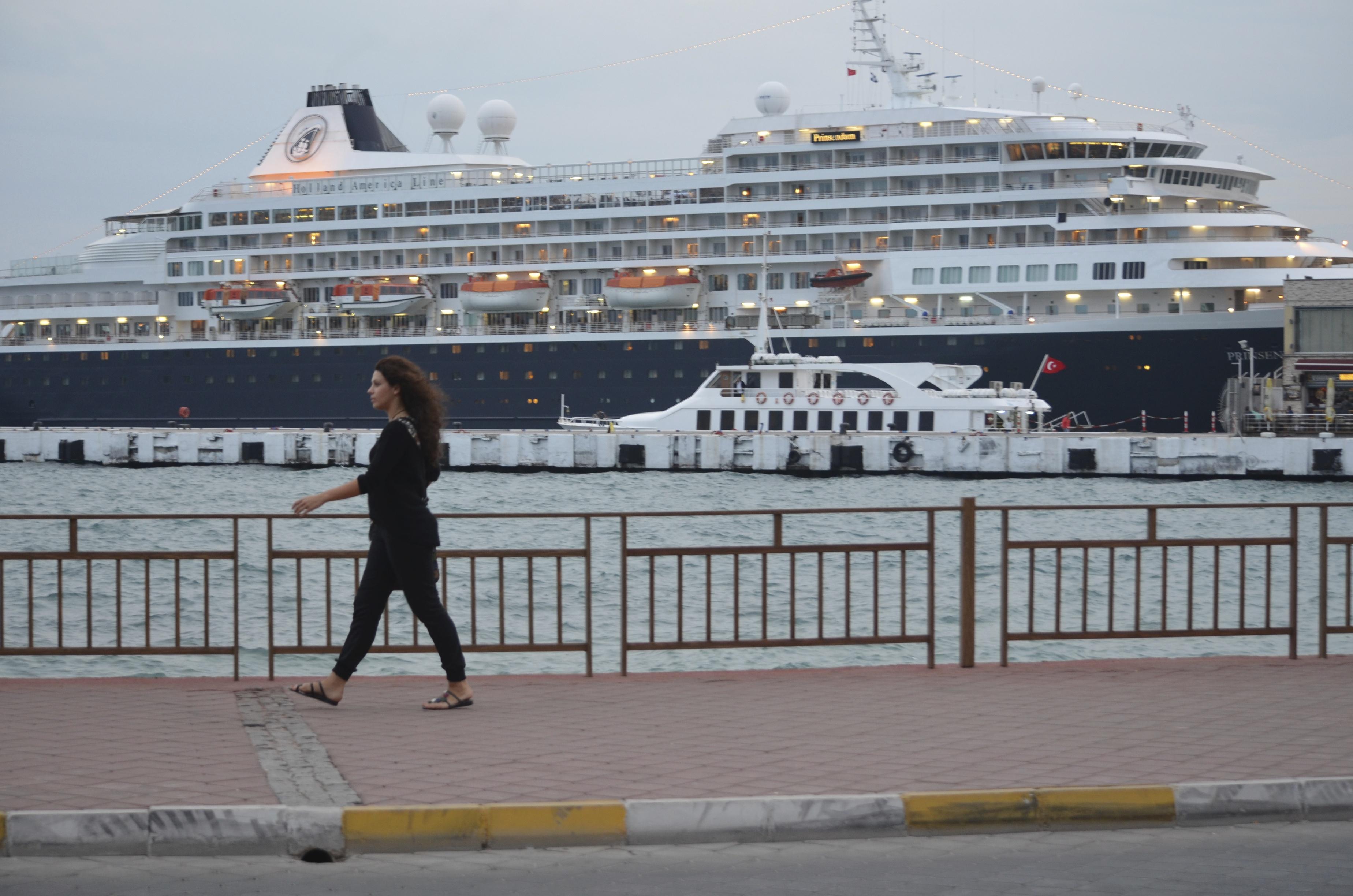 Kusadasi heeft een haven voor cruise schepen.